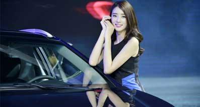 最美、最会摆pose的车展车模,原来是她!